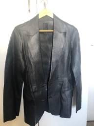 Lindo casaco de couro legítimo da marca Forum