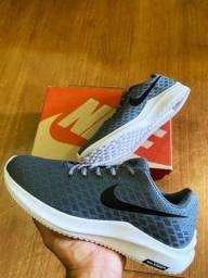 Sapatos unissex novos
