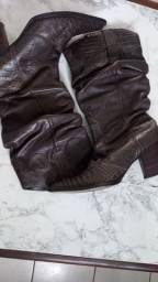 Vendo bota couro marrom