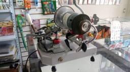 Máquina para afiação de alicates de cutícula Dalmolar