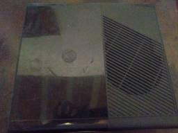 Xbox 360 com um controle