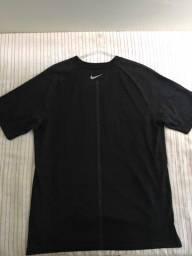 Camisa Nike reflexiva