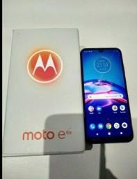 Motorola moto E6 Play 32GB 4G 570 reais.