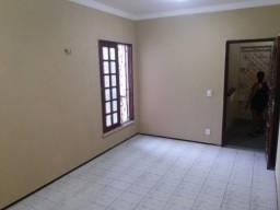Apartamento com 2 dormitórios para alugar, 49 m² por R$ 555,00/mês - Mondubim - Fortaleza/