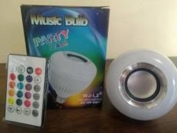 Lâmpada Bluetooth de Led com Caixa de Som e Controle