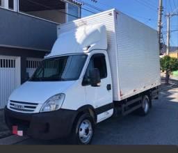 Caminhão Baú Iveco 70c16