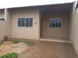 Ótima Casa com 2 quartos - Rua Guido Betoni 40 - J. Columbia