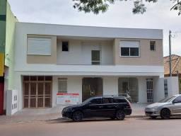 Excelente apto 2 dormitórios na frente da Praça Pinheiro Machado, área de 65 m²