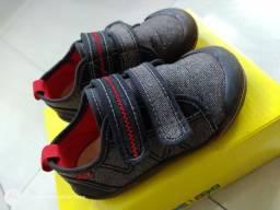 Vendo ou troco - calçados infantil - 2/3 anos