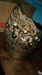Vaso pra decora com pedras branca dentro
