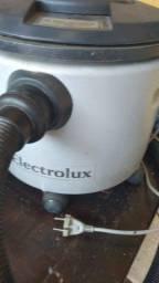 Aspirador Eletrolux de pó e água