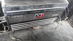 a5d4a09d18d Vendo caixa trio ou troco em bateria de carro