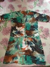 Vestido curto esverdeado