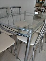 Mesa cromada c Vidro R$ 650