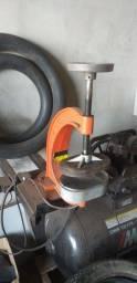 Vendo máquina de remendo quente semi nova