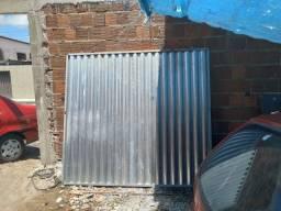 Vendo um portão de garagem novo
