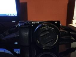 Sony a6000 + Lente 16-50mm + 3 baterias