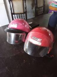 Vendo dois capacetes, 120.00 fala com irmão Ro