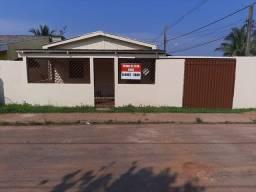 Casa pra vende tel * / *