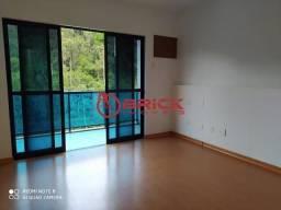 Ótimo apartamento com 3 quartos sendo 1 suíte + dependência, muito bem localizado no Centr