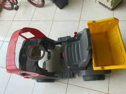 Vendo carrinho bandeirante de pedal RS.500.00 e um elétrico 500.00 cada