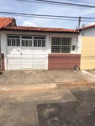 Alugo casa no bairro vila operária