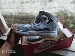 Tênis Nike AIR NOVO SEM USO!!! N° 40