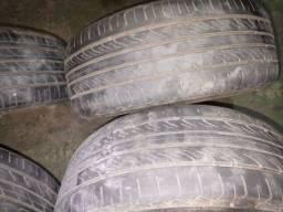 Roda 15 com pneu perfil baixo 165/40 R15