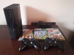 Xbox 360 usado com Kinect, 3 jogos e 2 controles