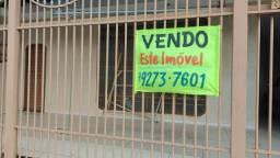 Vendo casa no Guará 1 ao lado da feira