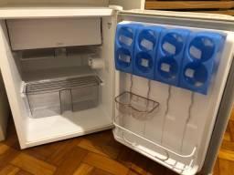 Frigobar Consul 76 litros
