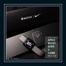 Apple Wacht Série 4 44mm Nike