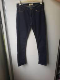 Calça jeans nova da Zara (tam. 40, veste 38)