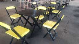 Mesas y cadeiras *