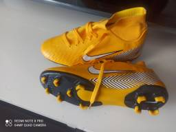 Chuteira Nike 39 nova