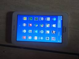 Troco tablet da Samsung.  Por comoda branca