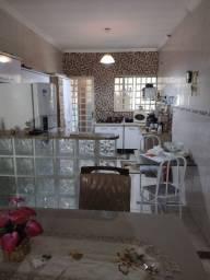 Alugo casa em Inhoaíba