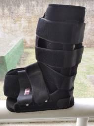 Bota ortopédica para torções e fraturas