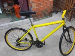 Bicicleta aro 26 vendo ou troco