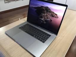 MacBook Pro (15 pol, 2017) - TouchBar - i7 2.9Ghz + SSD 512gb + Radeon Pro 560 com 4 GB