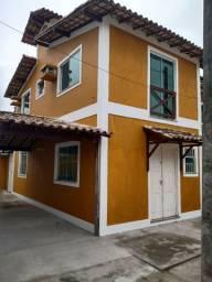 Alugo casa duplex em condomínio fechado