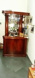 Bar clássico porta taças