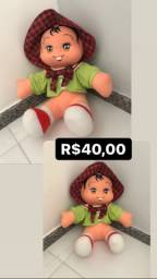 Boneca de pelúcia da turma da Mônica
