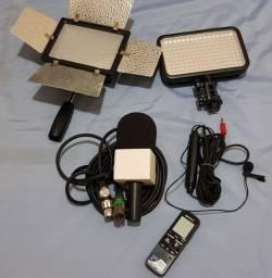 Iluminador led e microfones