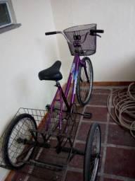 Vende-se esse triciclo