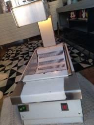 Máquina conservadora de fritura Macon.