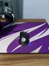 Mouse com 1 mês de uso, Sharkoom mlight 100 ²
