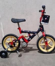 Bicicleta infantil aro 12 (1 a 3 anos)