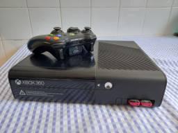Título do anúncio: Xbox 360 com controle e 2 pen-drives de jogos
