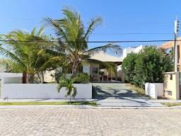 Casa mobiliada com 3 quartos sendo um suíte no Grand Cayman, Arquipélago do Sol. Nascente,